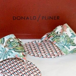 New Donald J Pliner Kent White Jungle Sandal